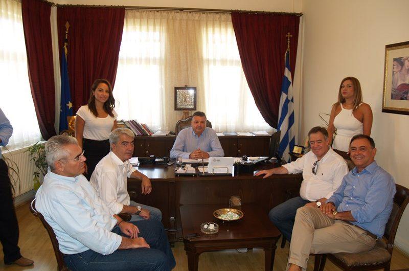 Βουλευτές της ΝΔ επισκέφτηκαν το Δήμαρχο Ελασσόνας Ν. Ευαγγέλου