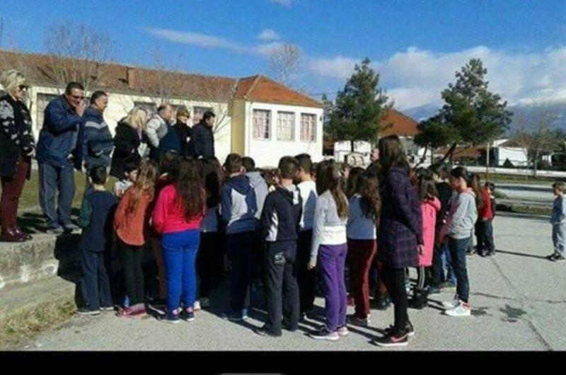 Άσκηση ετοιμότητας για σεισμό στο Δημοτικό Σχολείο Καλλιθέας