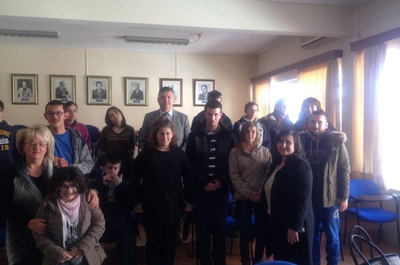 Επίσκεψη μαθητών του Ειδικού Σχολείου στο Δημαρχείο Ελασσόνας