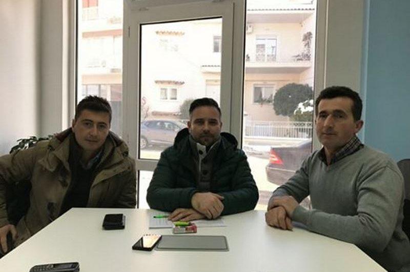 Συνάντηση Κατσιαντώνη με συνεταιριστές Γάλα Ελάσσ για καταστροφές
