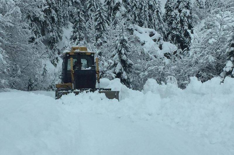 Νέες χιονοπτώσεις πλήττουν από χθες τη Θεσσαλία από τα 300μ υψόμετρο και πάνω