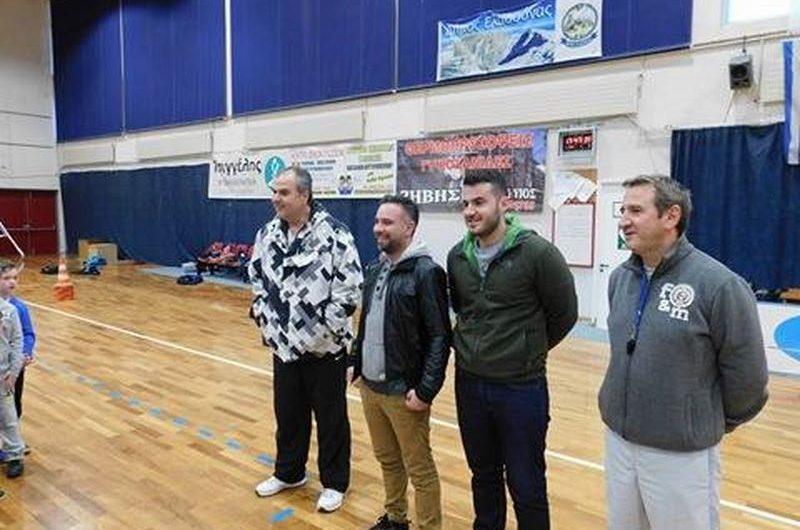 Δωρεά αθλητικού υλικού στο Γυμναστικό Ελασσόνας από το Γ. Κατσιαντώνη