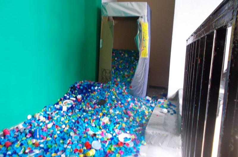 Διευρύνεται η πρωτοβουλία του Εξωραϊστικού Τσαριτσάνης για τη συλλογή πλαστικών πωμάτων