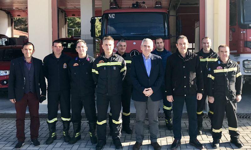 Σε Αστυνομικό Τμήμα και Πυροσβεστική Ελασσόνας ο Μαξ. Χαρακόπουλος
