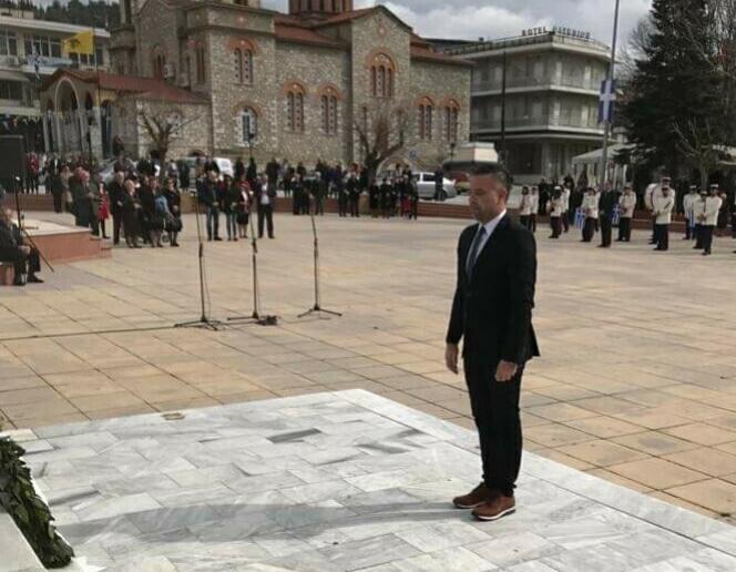 Στη μαθητική παρέλαση της Ελασσόνας ο Γιώργος Κατσιαντώνης