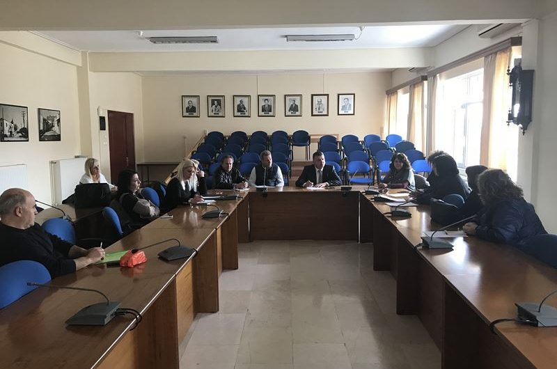 Άρχισε τις προεκλογικές εξαγγελίες ο Δήμαρχος Ελασσόνας – Υποσχέθηκε λύση στα προβλήματα της εκπαιδευτικής κοινότητας