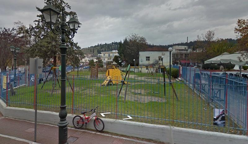 Ερώτηση στο δημοτικό συμβούλιο – Πότε θα ανοίξει η παιδική χαρά της κεντρικής πλατείας;