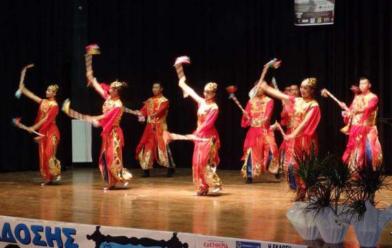 Ζωντανή η παράδοση «στου Ολύμπου την αυλή» – Χορευτές από Ελλαδα, Κίνα, Μαλαισία
