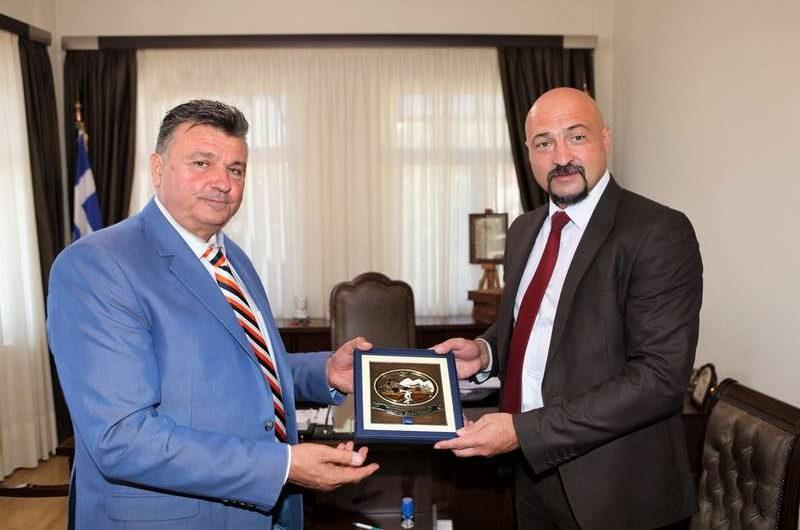 «Απρέπεια» Ευαγγέλου – Δεν προσκάλεσε το Δ.Σ. στην αδελφοποίηση με το Δήμο Τρστένικ Σερβίας